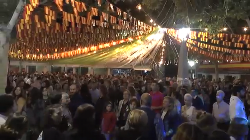 Un San Agustín pasado por agua no detiene el espíritu festivo de los galveños