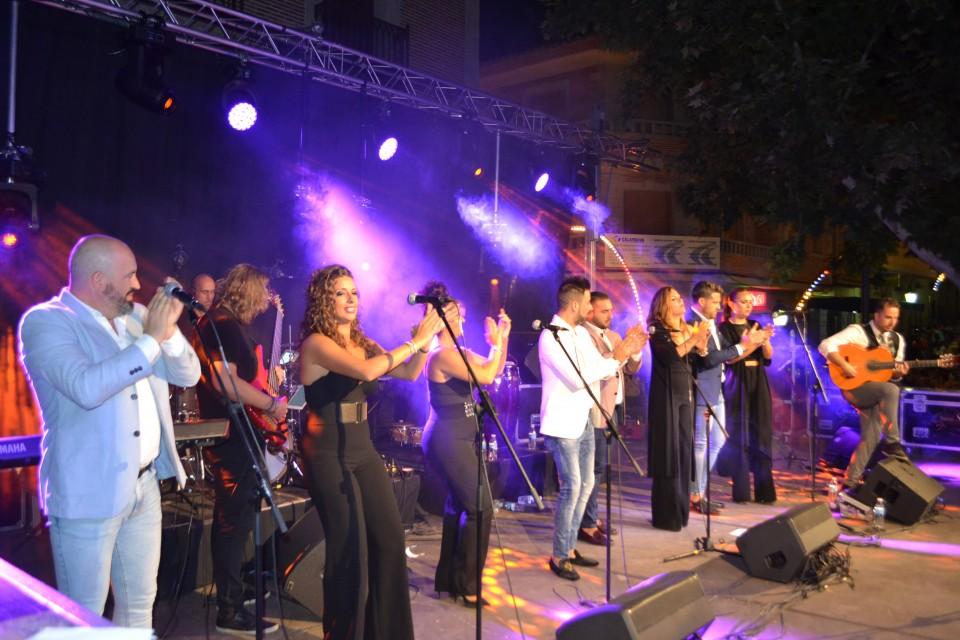 El exitoso concierto de Raya Real, antesala de la Feria de Gálvez en honor a San Agustín
